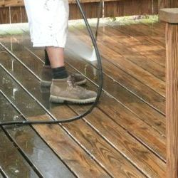 deck cleaning thumbnail